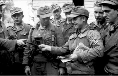 ナチスドイツ軍隊時代の楽しい思い出写真。 ナチス軍服販売 Bwドイツ軍服販売 各国軍服販売【ssクラブ ニーベー
